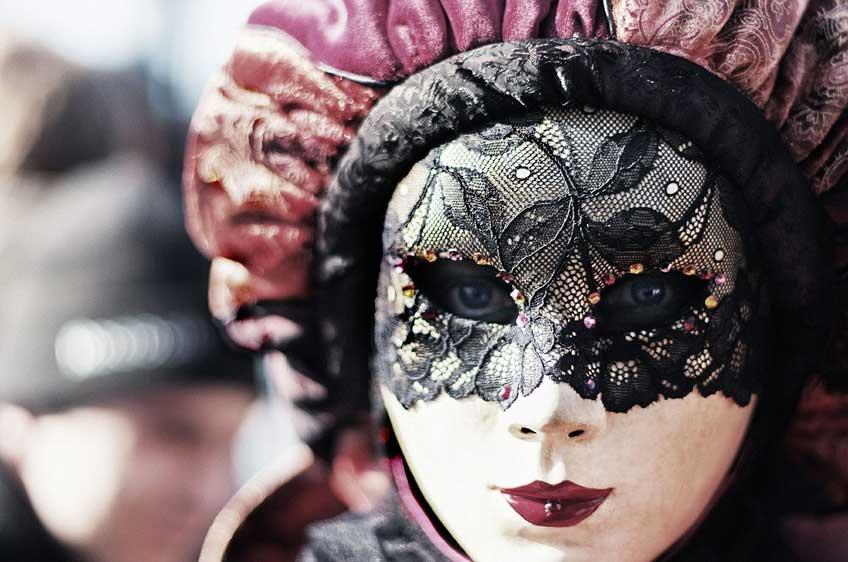 carnival-411494_1280(1)