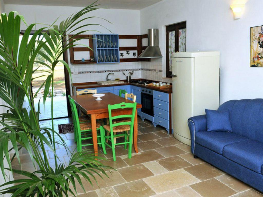 Residence in campagna la corte dei trulli resort san for Tariffe pulizie domestiche