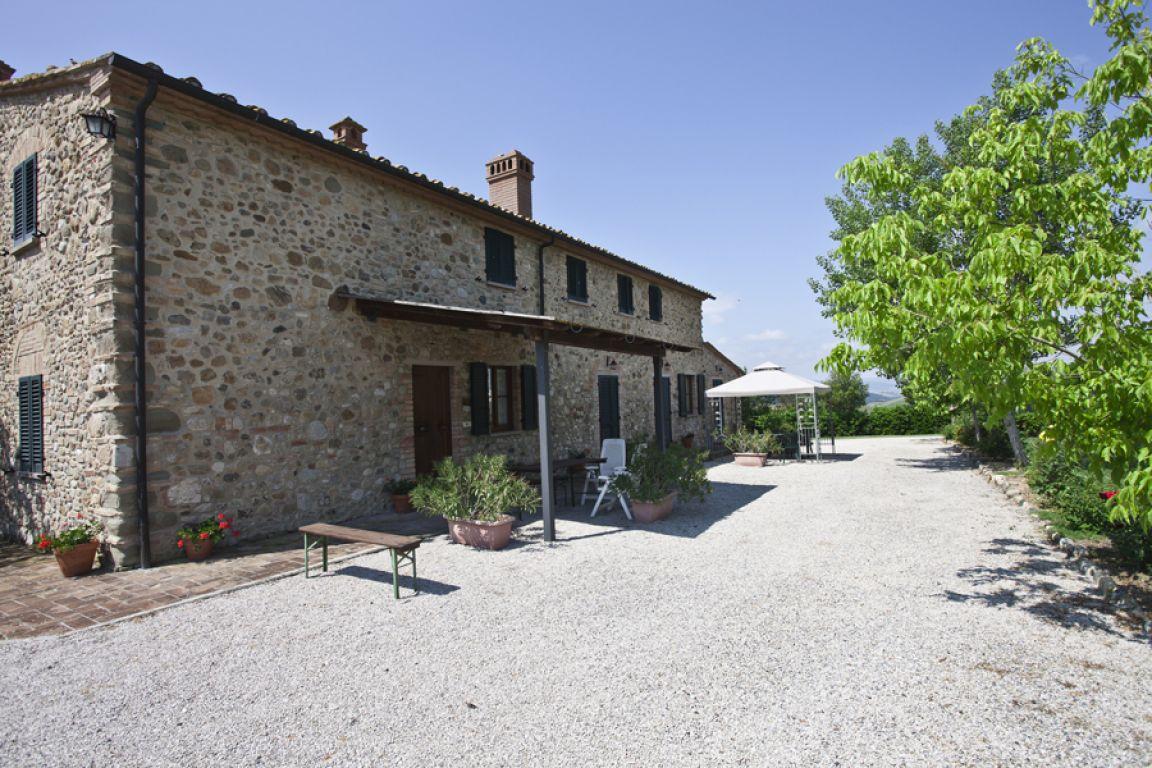Agriturismo casa al bosco volterra toscana for Casa volterra