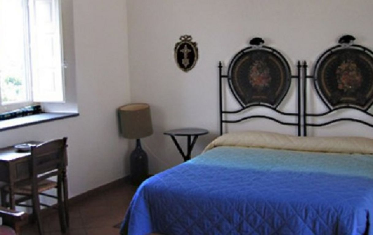 bed and breakfast la casa di pippinitto santa venerina sicile. Black Bedroom Furniture Sets. Home Design Ideas