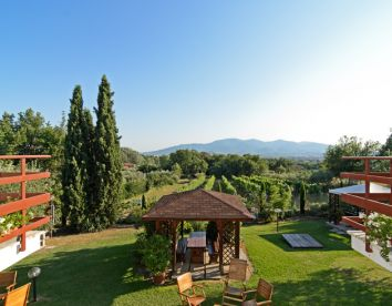 Offer On Spring/Summer In The Heart Of Tuscany