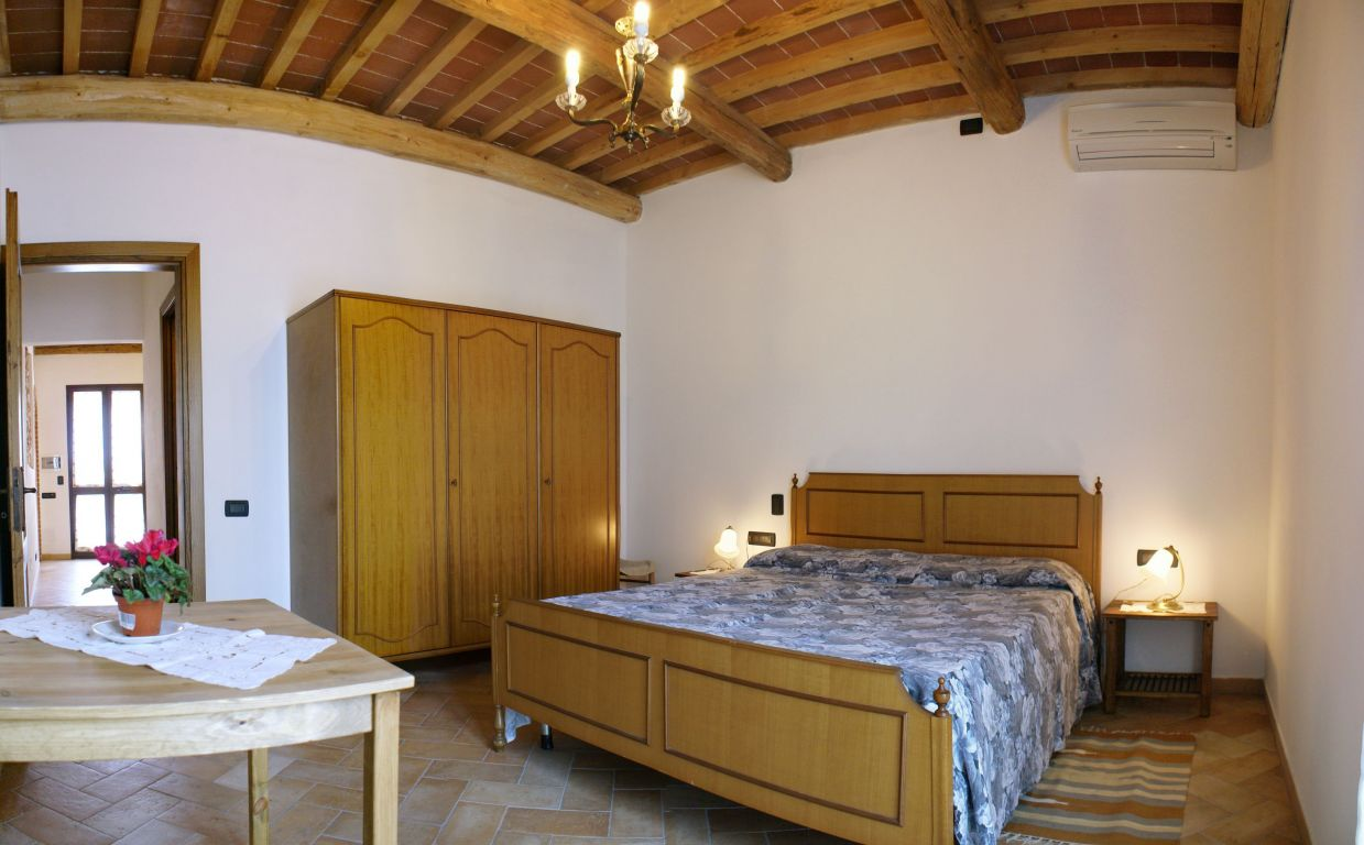 bed and breakfast podere oslavia pisa toscana. Black Bedroom Furniture Sets. Home Design Ideas