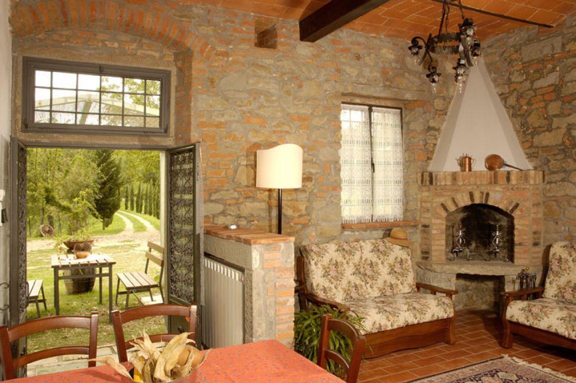 Casa vacanze in campagna fattoria della nave terranuova for Casa in stile fattoria