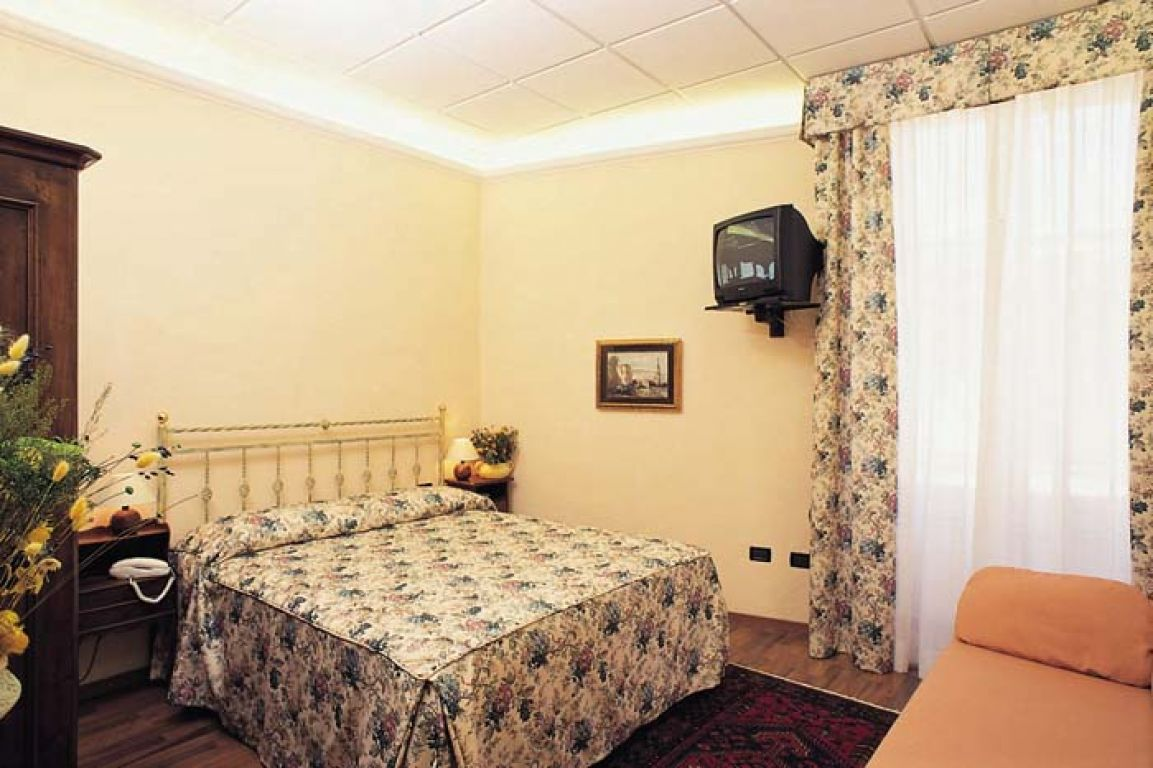 Bed And Breakfast Soggiorno Michelangelo (Florence, Tuscany)