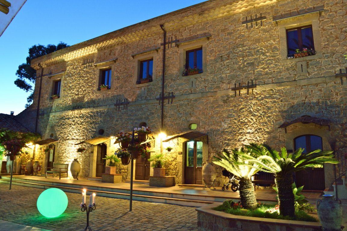 Matrimonio Rustico Sicilia : Agriturismo vecchia masseria charme relax caltagirone