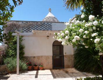 Foto24 trullo casa rosa & casa delle mimose