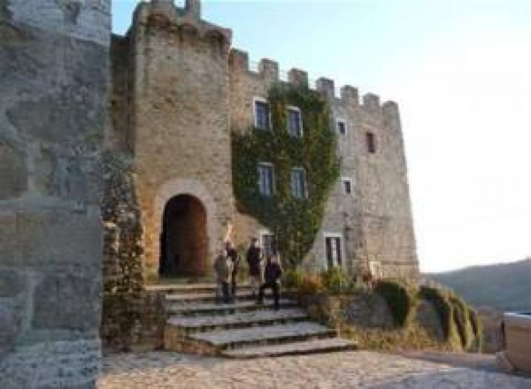 castello di cisterna black dating site Castello di cisterna 10 rooms between 6000 and 10000 eur dating back to the 1200s, castello di cisterna offers panoramic views across the umbrian countryside this historic castle, 11 km outside gualdo cattaneo, offers rustic apartments with original features.