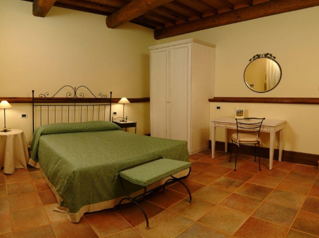 Agrihotel Le Terre Del Verde (Gualdo Tadino, Perugia)