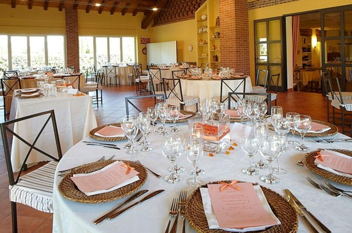 Matrimonio Rustico Piemonte : Agriturismo vignarello tornaco piemonte