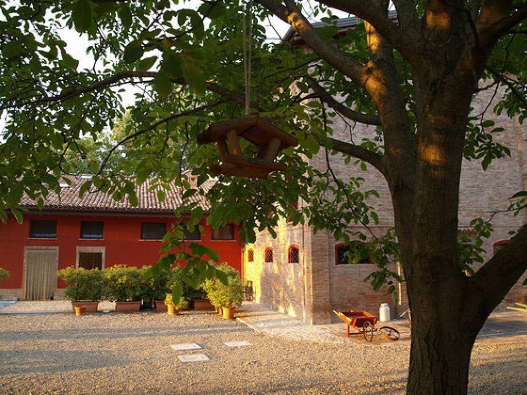 Agriturismo la corte della barchessa formigine emilia for Porticos sa