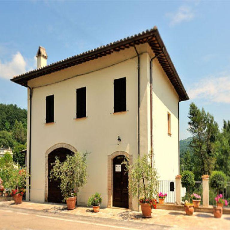 Agriturismo casa brunori foligno umbria for Casa it foligno