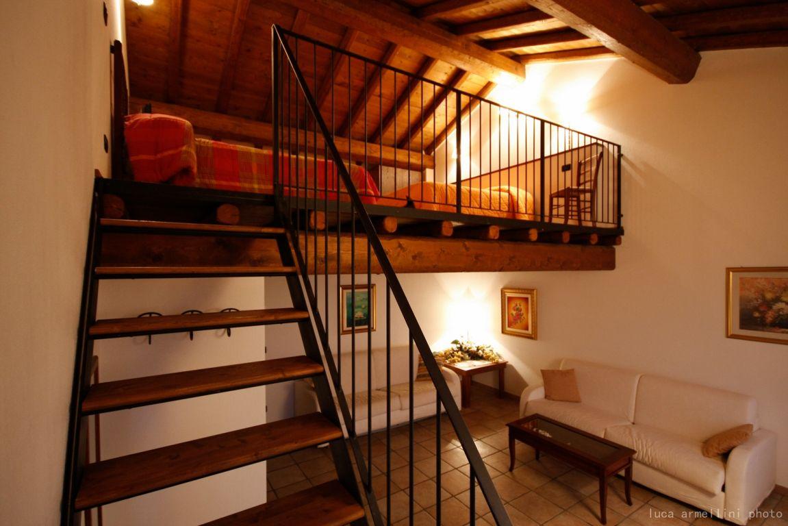 Agriturismo cascina boschi volta mantovana lombardia - Soppalchi in legno per camere da letto ...